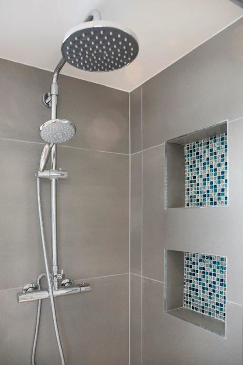 Tooting Furzedown:  Bathroom by Clara Bee, Modern