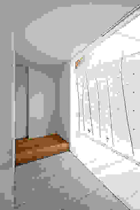Koridor & Tangga Modern Oleh 空間建築-傳 Modern