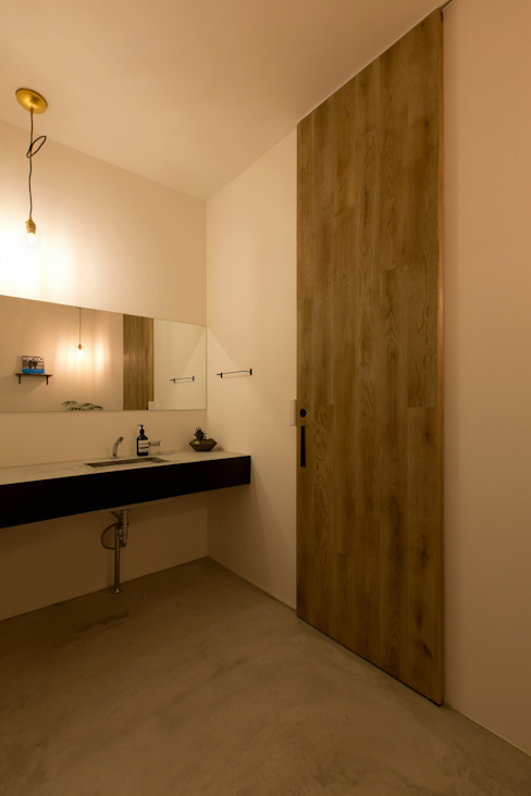 Rustic style bathroom by ALTS DESIGN OFFICE Rustic Concrete
