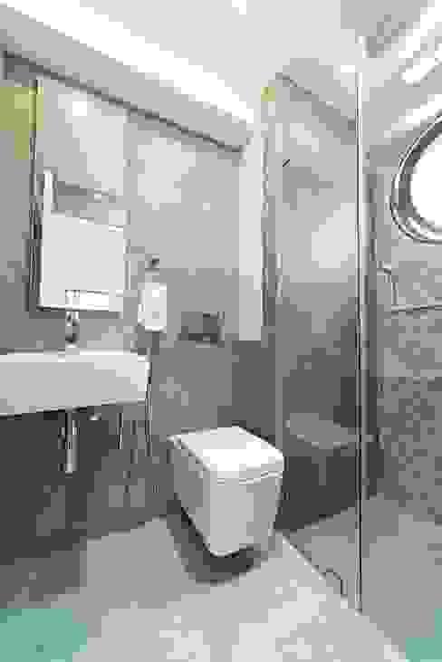Nowoczesna łazienka od Objetos DAC Nowoczesny