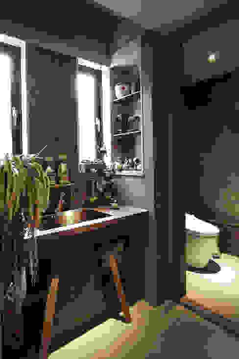 Asian style bathroom by 戎馬整合設計 Asian
