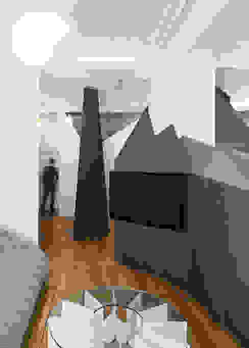 Apartment XIV Modern living room by STUDIO RAZAVI ARCHITECTURE Modern