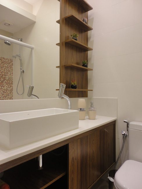 Bathroom by Maria Helena Torres Arquitetura e Design,