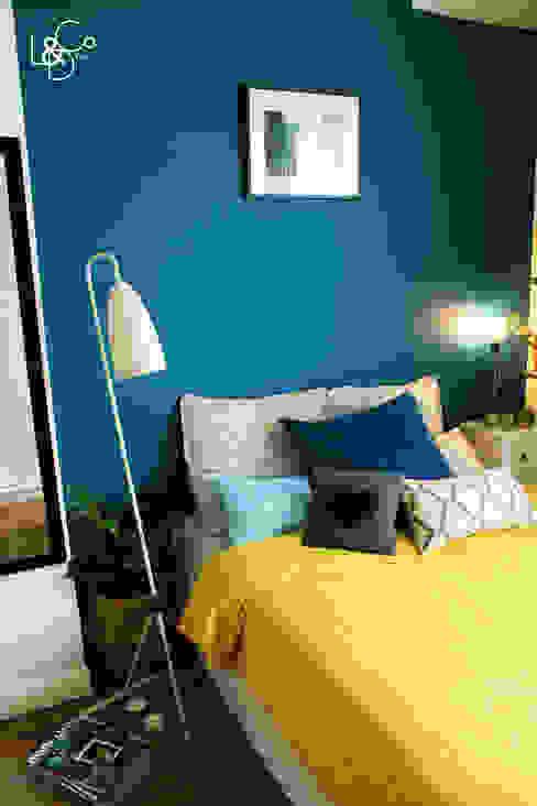 LD&CO.Paris 'La Demoiselle et la Caisse à Outils' Dormitorios escandinavos Azul