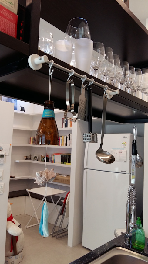 Modern kitchen by 아키제주 건축사사무소 Modern