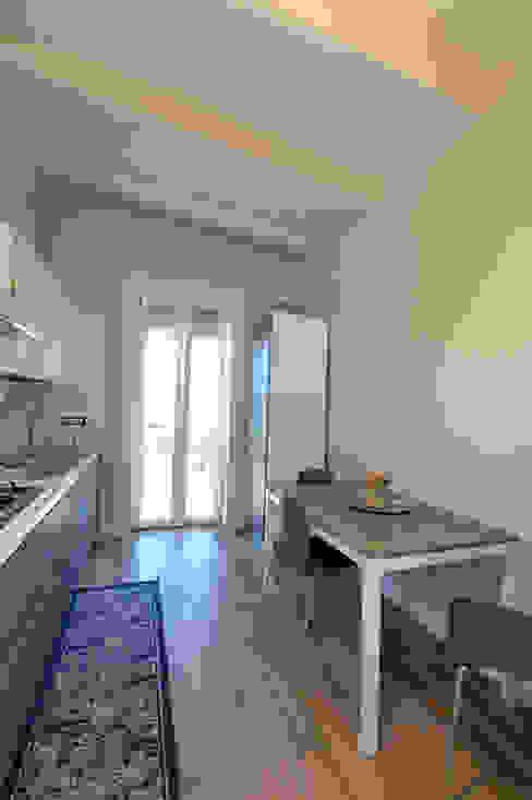 Dapur Gaya Mediteran Oleh yesHome Mediteran