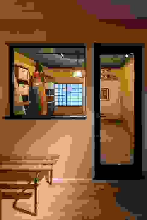 HOUSE-04(renovation) クラシックデザインの ガレージ・物置 の dwarf クラシック