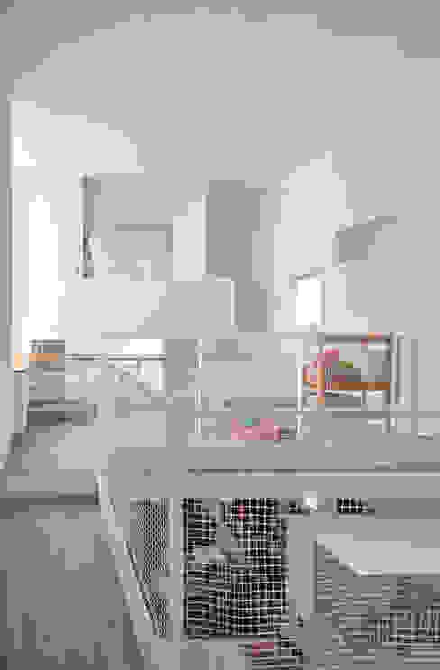 Modern media room by 門一級建築士事務所 Modern Concrete