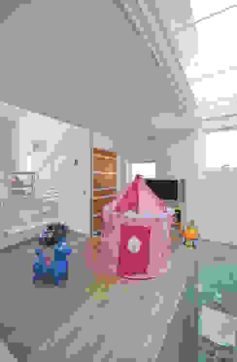 SMZT-HOUSE モダンデザインの 子供部屋 の 門一級建築士事務所 モダン