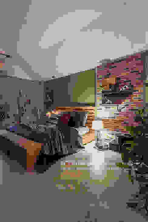Dormitorios de estilo  de 大不列顛空間感室內裝修設計, Asiático