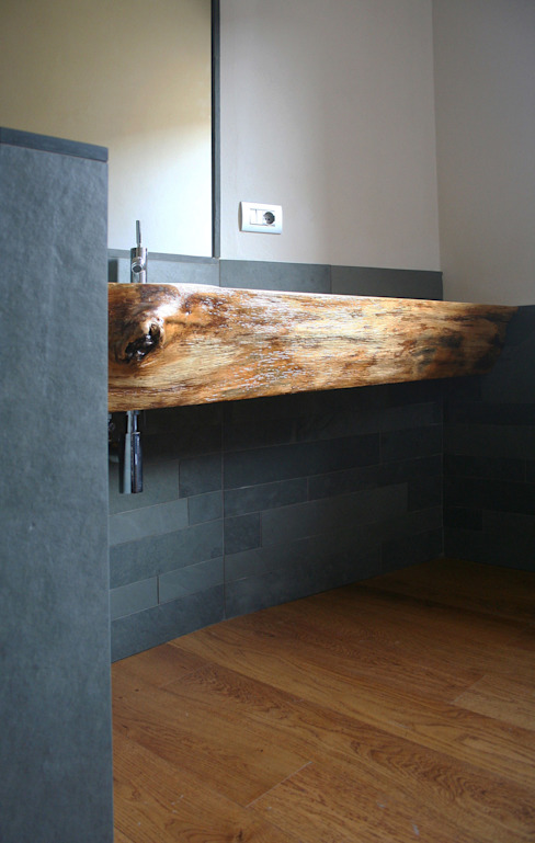 Bathroom by Architetto Luigi Pizzuti