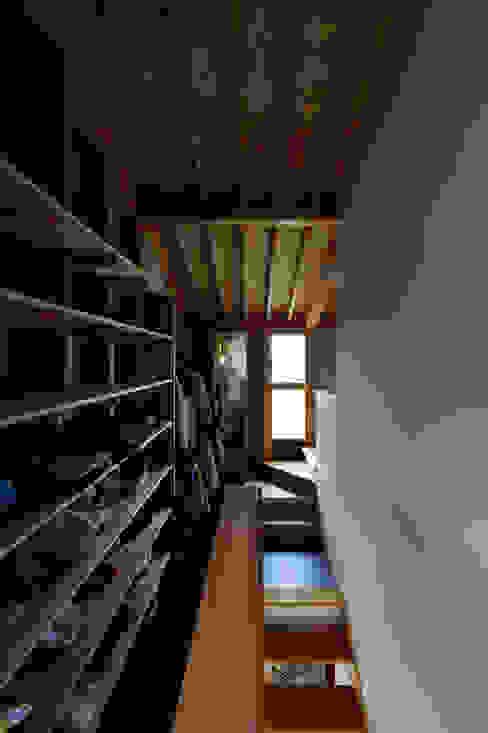 村国の切通し 丸山晴之建築事務所 和風デザインの ドレッシングルーム