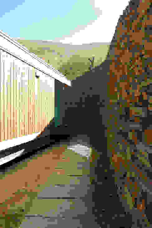 Casa do Rio Casas modernas por Menos é Mais - Arquitectos Associados Moderno