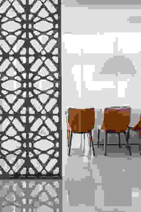 Salle à manger de style  par Rosana Pintor Arquitetura e Interiores, Moderne