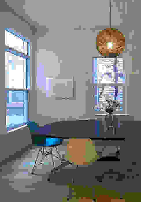 Dining Room Scandinavian style dining room by STUDIO Z Scandinavian