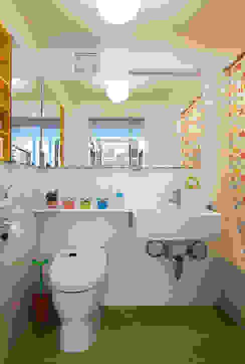 Bento Box Loft, Koko Architecture + Design Modern Bathroom by Koko Architecture + Design Modern