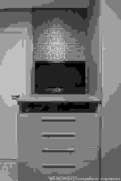 Chambre de style  par Cris Nunes Arquiteta, Classique