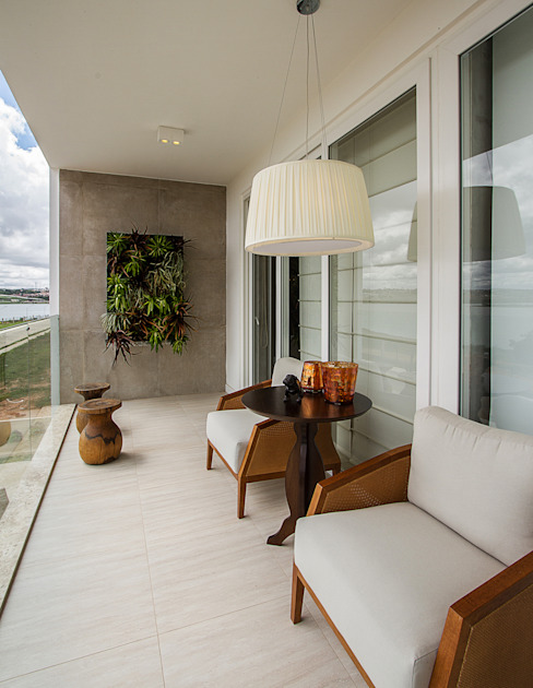 Casa Show Perucaba em Arapiraca Alagoas Cris Nunes Arquiteta Varandas, alpendres e terraços clássicos