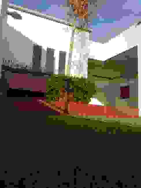 JARDÍN EN AZOTEA Jardines de estilo moderno de Arqca Moderno