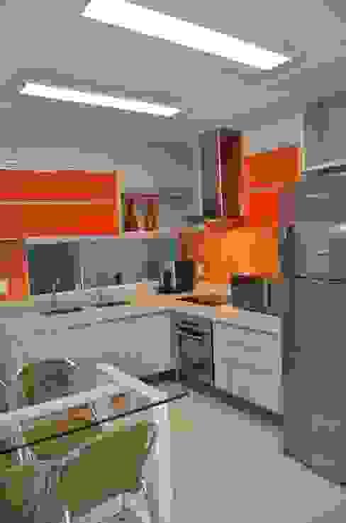 Cozinhas  por Cris Nunes Arquiteta, Clássico