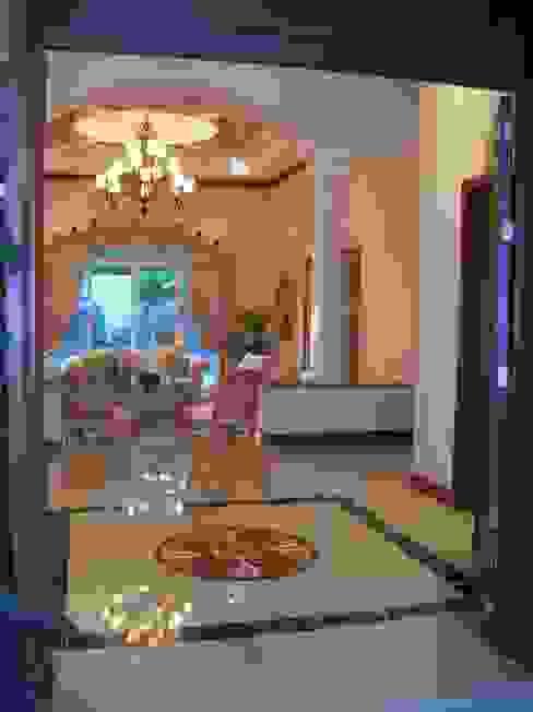 CASA AMARILLA / YELLOW HOUSE Pasillos, vestíbulos y escaleras eclécticos de SG Huerta Arquitecto Cancun Ecléctico Mármol