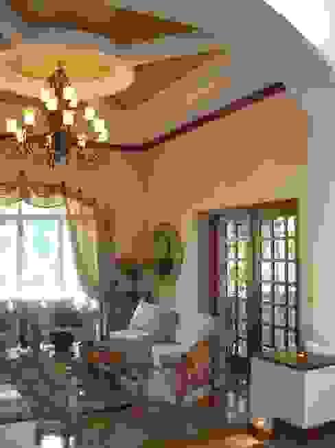 CASA AMARILLA / YELLOW HOUSE Salones eclécticos de SG Huerta Arquitecto Cancun Ecléctico Mármol