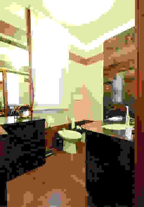 Casas de banho clássicas por Valtorta srl Clássico