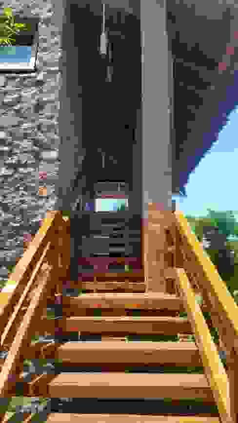 Rustic style corridor, hallway & stairs by Cervantesbueno arquitectos Rustic Stone