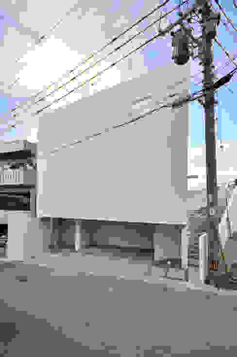 門一級建築士事務所 모던스타일 주택 콘크리트 화이트