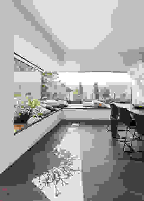 Ruang Makan Modern Oleh meier architekten zürich Modern