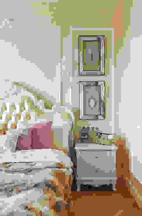 غرفة نوم تنفيذ design studio by Mariya Rubleva, كلاسيكي