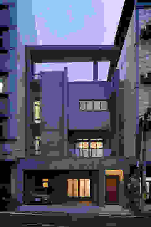 Casas estilo moderno: ideas, arquitectura e imágenes de 夏沐森山設計整合 Moderno