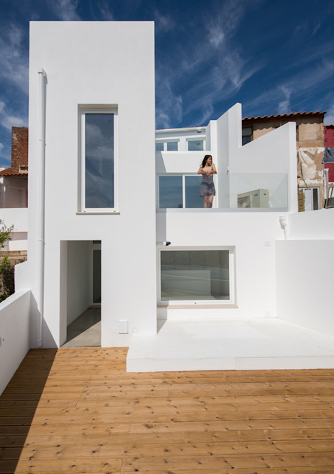 Facade Casas de estilo minimalista de studioarte Minimalista Ladrillos