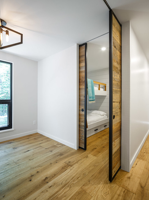 Lac St. Sixte Summer Residence Modern style bedroom by Flynn Architect Modern
