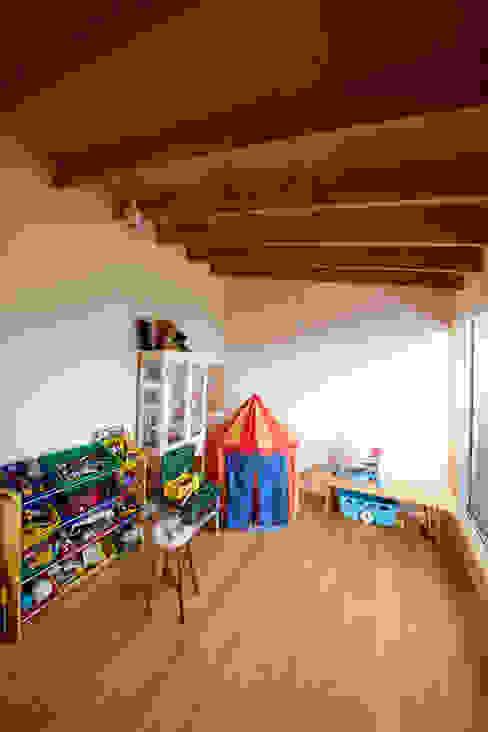 Kinderzimmer von 一級建築士事務所co-designstudio,