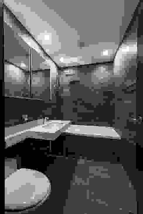 Toilet 모던스타일 욕실 by STARSIS 모던 대리석