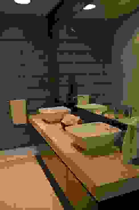 Modern bathroom by TREVINO.CHABRAND | Architectural Studio Modern