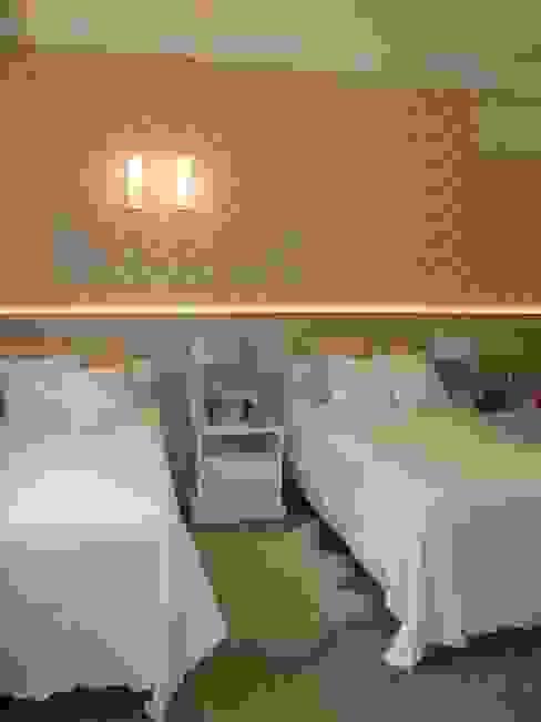 Dormitorios clásicos de Cia de Arquitetura Clásico