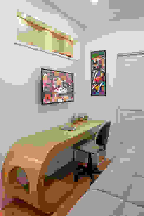 Casa Malibu Arquiteto Aquiles Nícolas Kílaris Quartos modernos Bege
