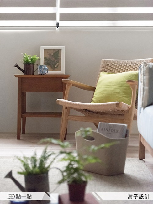 寓子空間設計:  客廳 by iDiD點一點設計