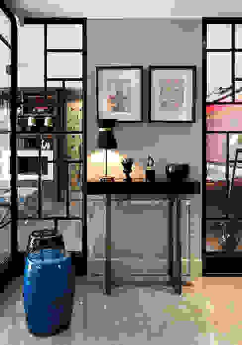 NEST Modern corridor, hallway & stairs by Esra Kazmirci Mimarlik Modern