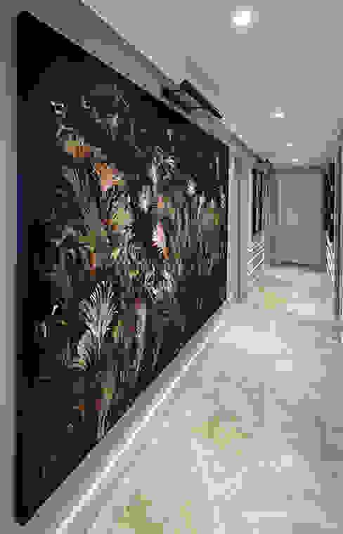 Pasillos y vestíbulos de estilo  por Esra Kazmirci Mimarlik, Moderno