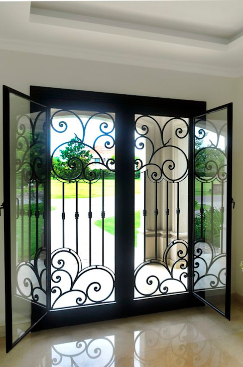 Classic windows & doors by DEL HIERRO DESIGN Classic Iron/Steel