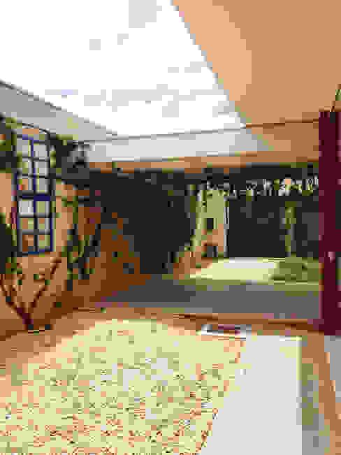 Garajes modernos de Lozí - Projeto e Obra Moderno