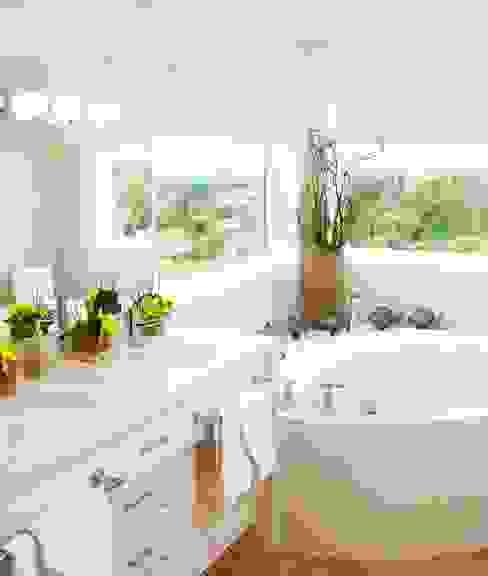 Benchscape Modern bathroom by Lex Parker Design Consultants Ltd. Modern