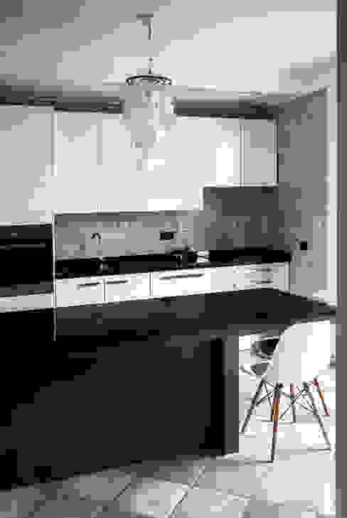 Progetto di interni per una casa a schiera Cucina in stile scandinavo di CAFElab studio Scandinavo