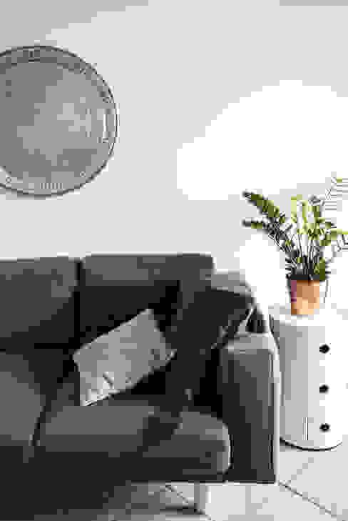 Progetto di interni per una casa a schiera Soggiorno in stile scandinavo di CAFElab studio Scandinavo