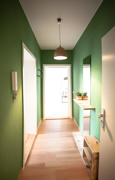 Scandinavian style corridor, hallway& stairs by woodboom Scandinavian