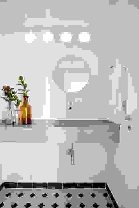 Lavabo Banheiros modernos por INÁ Arquitetura Moderno