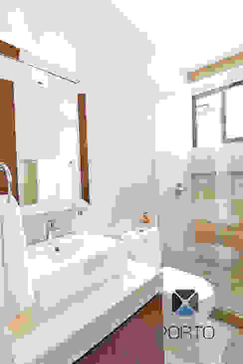 Salle de bain originale par PORTO Arquitectura + Diseño de Interiores Éclectique